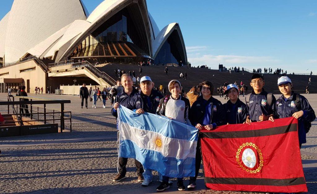 Ya se encuentra en competición el equipo salteño que representa a Argentina en el certamen internacional de robótica
