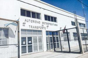 Taxis y remises solo podrán transportar a personas exceptuadas en el decreto de Necesidad y Urgencia