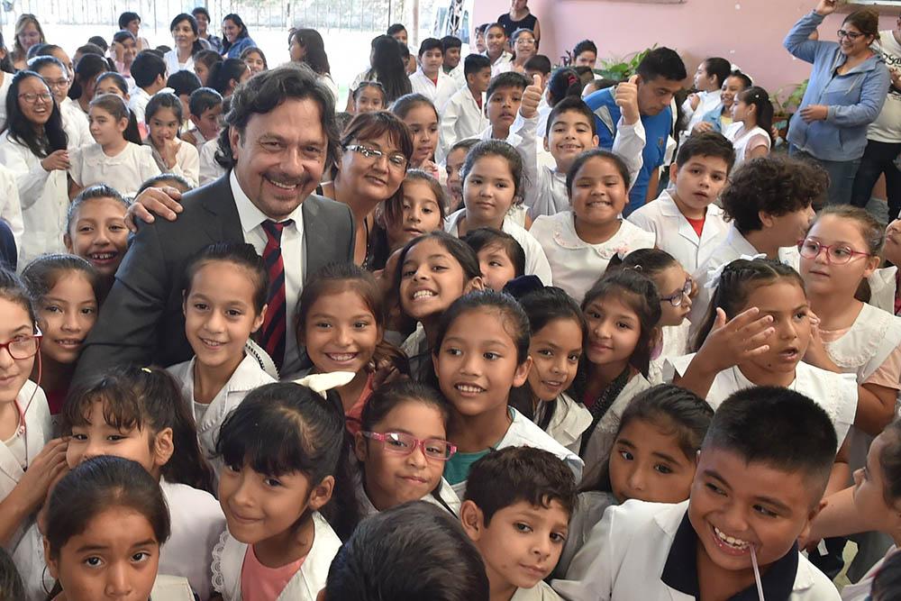 Más de 340 mil estudiantes empezaron las clases en la provincia