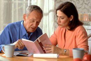 Recomiendan acompañamiento y cuidado a las personas mayores